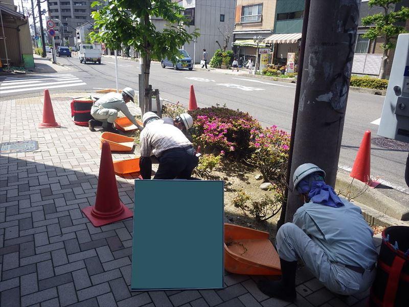 05月12日 植樹帯除草工1回目 作業状況①_R
